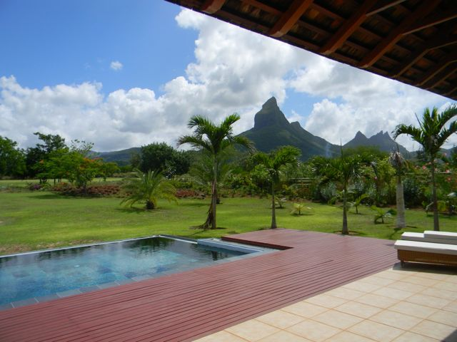 Stunning 4 Bedroom IRS Villa – Tamarina
