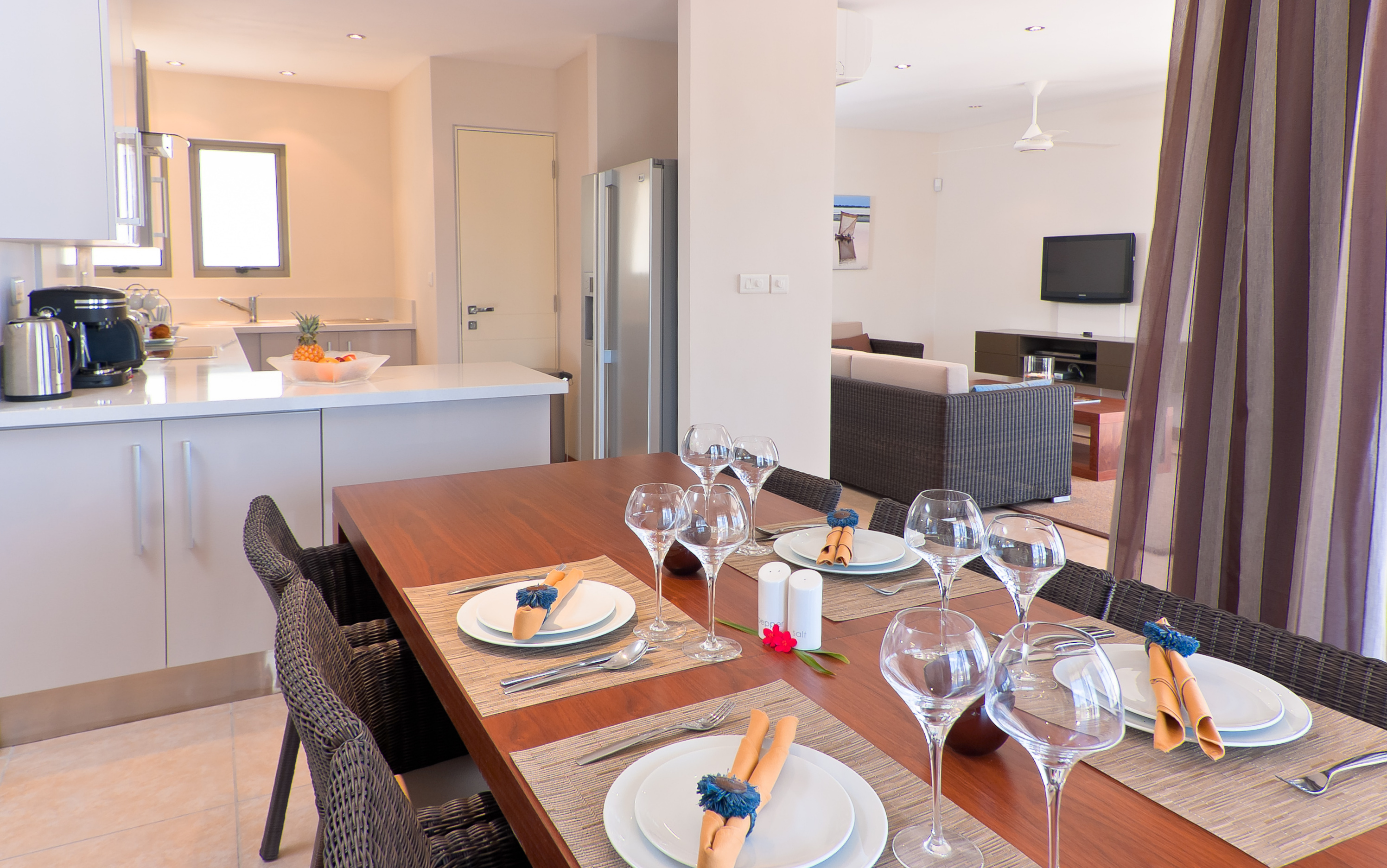 Bon Azur Elegant Suites & Penthouses Fully Equip Kitchen Interior dinning area Lounge