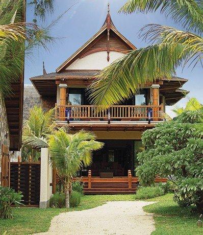 3-bdrm-villa_almira_beach-view-facade