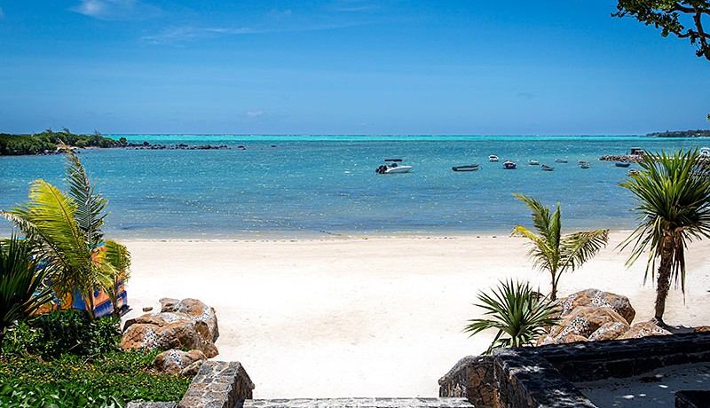 Azuri-beach-2