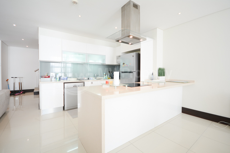 Spacious Apartment in Great Location