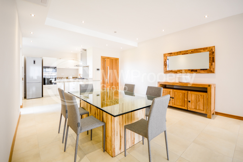 Modern & Spacious Apartment